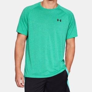 UA Tech loose fit T-Shirt